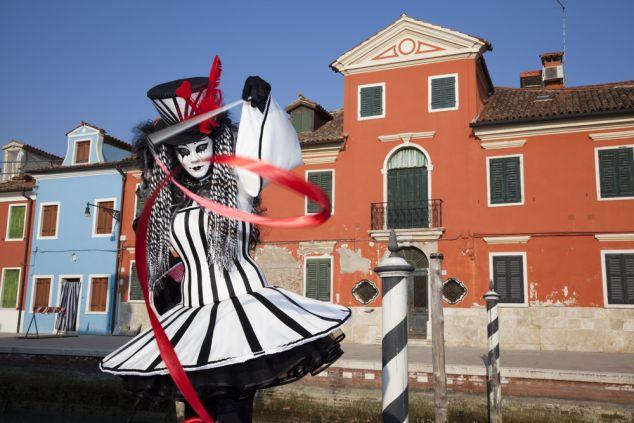 Venise : carnaval et ses gondoles