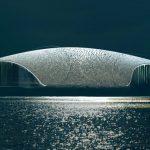La Norvège dévoile une construction en hommage aux baleines qui se fond à merveille dans la nature